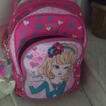 Κορίτσι τσάντα σχολική μέχρι έκτη τάξη δημοτικου