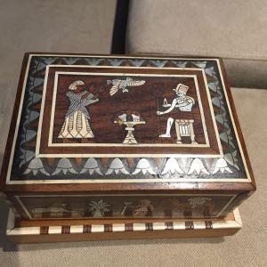 Επιτραπέζια ξύλινη τσιγαροθηκη αντίκα