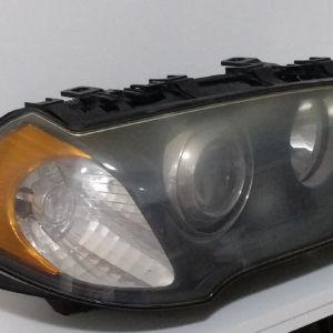 Αριστερό γνήσιο μπροστινό φανάρι από BMW X3 2006 μοντέλο.Με κίτρινο φλας.