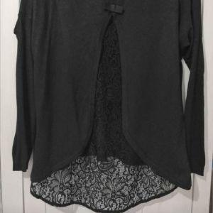 Πλεκτή μπλούζα με δαντέλα M/L
