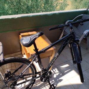 ποδήλατο για βουνά σε αρκετή καλή κατάσταση. (χαρακτηριστικά) 7 ταχύτητες και τρεις κορώνες έχει δισκόφρενα. τοποθεσία Αρχάγγελος Ρόδου.για την τημη του μηλαμε προσωπικό