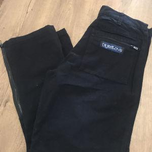Μαύρο παντελόνι με φερμουάρ no 34