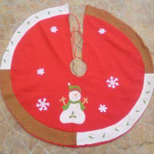 6 καλύμματα Χριστουγεννιάτικα στρόγγυλα, τσόχας χοντρής για διάφορες χρήσεις, τοποθετούνται σε κάθε χώρο του σπιτιού, χειροποίητα, διαμέτρου το καθένα 1 μέτρο, αχρησιμοποίητα.