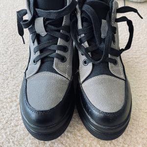 αθλητικά παπούτσια γυναικεία 37