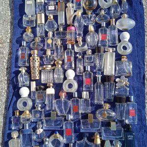 πωλούνται άδεια 76 μπουκάλια από κολόνες για συλλογή