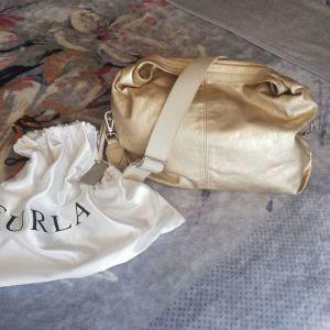 Τσάντα FURLA γνήσιο δέρμα ματ χρυσή