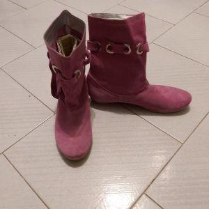 Δερμάτινα γυναικεία μποτάκια - μπότες, καινούργιες χωρίς κουτί νούμερο 40