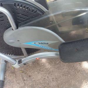 Ελλειπτικό  όργανο μηχανημα γυμναστικής . orbitrek platinum