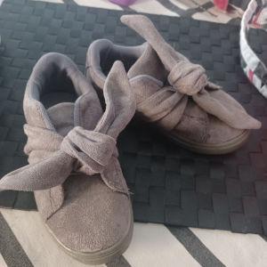 παπούτσια για κορίτσι 27-29 νούμερο