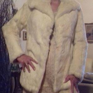 Γούνινη ζακέτα(όχι συνθετική) φορεμένη μία φορά