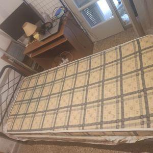 Κρεβάτι μονό μεταλλικό μαζί με στρώμα