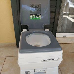 Φορητή χημική τουαλέτα