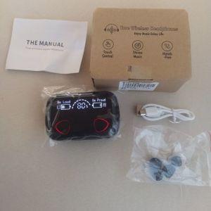 Πωλούνται ακουστικά ασύρματα powerbank με μεγάλη μπαταρία  αδιάβροχα με touch control ολοκαίνουργια ζελατίνα