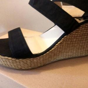 γυναικεία παπούτσια,πλατφόρμες μαύρες Νο.41 με χιαστί λουριά