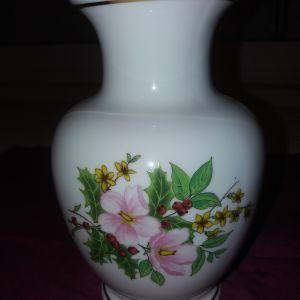 βάζο παλαιό ζωγραφισμένο στο χέρι