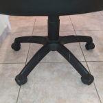 Πωλείται καρέκλα γραφείου με πλάτη
