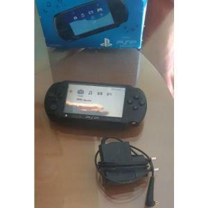 ΠΩΛΕΙΤΑΙ SONY PSP (PLAYSTATION PORTABLE)