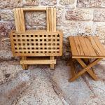 τραπεζάκι μαζι με καρεκλάκι ξυλινα αναδιπλουμενα για τον κηπο την Εξοχή τη βεράντα το εξοχικό