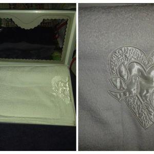 καινούργιο σετ 3 τεμαχίων πετσέτες ( χεριών, προσώπου, μπάνιου) A ποιότητας
