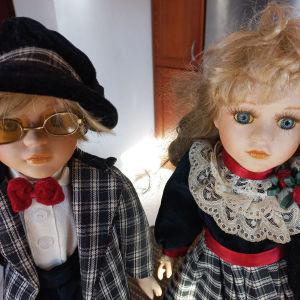 πωλούνται πορσελανινες κούκλες