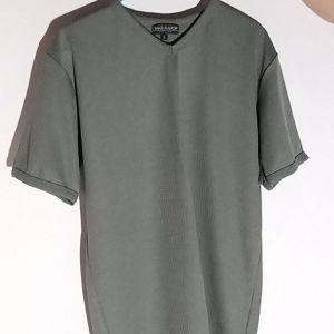αντρική μπλούζα