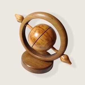 Υδρόγειος από ξύλο Καρυδιά Αμερικής η βάση και Ξύλο Ελιάς η μπάλα (SA-158)