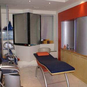 Μοντέρνο κρεβάτι διάγνωσης ή massage NEA TIMH