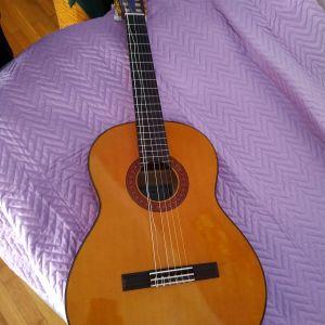 Πωλείται κλασική κιθάρα