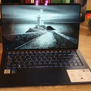 ASUS ZenBook 13.3 i7 - Royal Blue