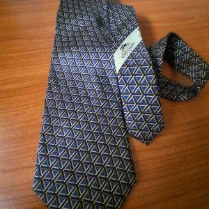 Επώνυμη ανδρική γραβάτα