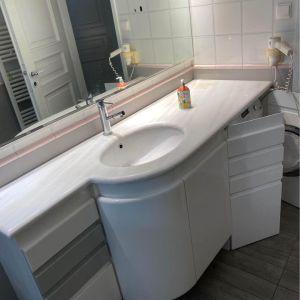 Επιπλο μπάνιου απο λάκα Κυπριώτης 1,80χ60  με ντουλάπι  για πλυντήριο