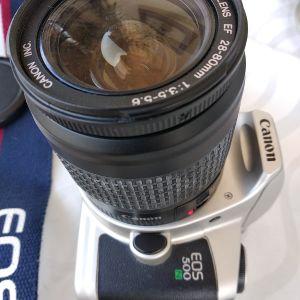 Φωτογραφική μηχανή Canon με φίλμ
