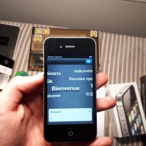 iPhone 4S 16GB iOS 6 + extra