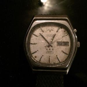 Πωλείται το αυτόματο ρολόι χειρός orient crystal 21 jewels automatic