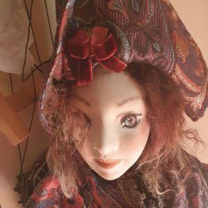 Πορσελάνινη κούκλα - μαριονέτα, ύψους 70cm.